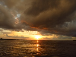 Back on the Amazon, floating towards the tri-border