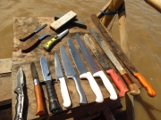 Our knife collection! A couple of machetes for contruction and exploring the jungle and then some smaller knifes for kitchen and fishing. The two huge white-handled knifes were Peycho and Mishas knifes, more for fun. Looks dramatic, but hey, this is the accumulated knifes among 3 guys.