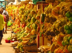 The fruit market in Leticia at the triborder