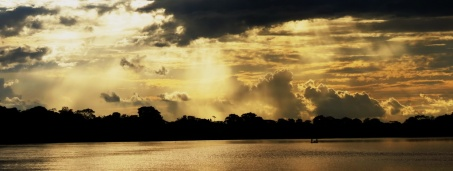 The day is coming to an end on the beautiful Napo River