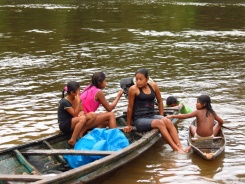 Locals of La Libertad: teenagers hanging out, very shy when they noticed my presence.
