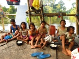 "The next generation of La Libertad: to ""break the ice"" we invited the kids for popcorn on-board our raft"